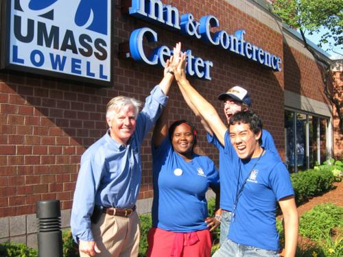 Chancellor Marty Meehan with students at UMass Lowell